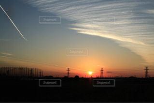 街に沈む夕日の写真・画像素材[1145988]