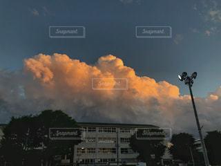 夏のような空模様の写真・画像素材[1202622]