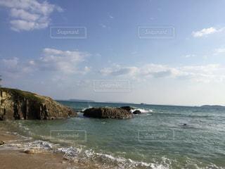 沖縄リゾートホテル付近の海の写真・画像素材[1121258]