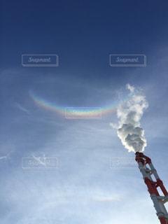 逆さにかかる虹の写真・画像素材[1033214]