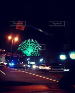 車から見る夜景の写真・画像素材[1037348]