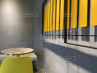 黄色×グレー インテリアの写真・画像素材[2931395]
