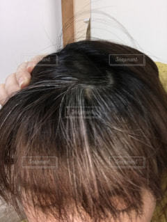 白髪のある女性の写真・画像素材[1040878]