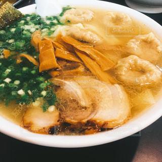ワンタン麺の写真・画像素材[1034020]
