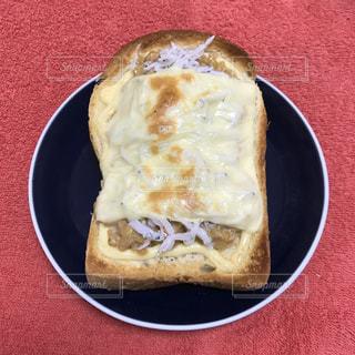 納豆しらすトーストの写真・画像素材[1081370]