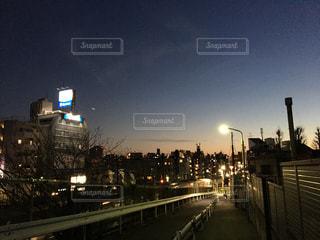 夜の街の眺めの写真・画像素材[2351164]
