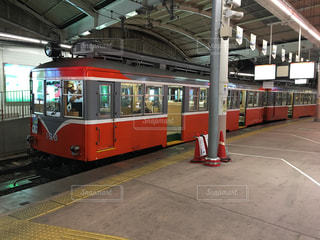 駅に停車中の電車の写真・画像素材[1034889]