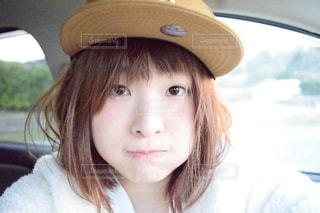 帽子をかぶっている女性の写真・画像素材[1035210]