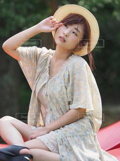 帽子をかぶっている少女の写真・画像素材[1156426]