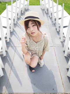 座っている女の子の写真・画像素材[1156452]