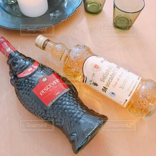 魚のワインボトルの写真・画像素材[1420409]
