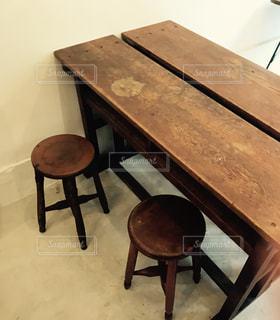木製テーブルの写真・画像素材[1035454]