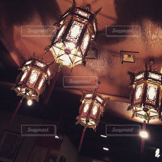 夜はライトアップ ランプの写真・画像素材[1620108]