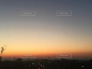 静かな朝のグラデーションの写真・画像素材[1037300]
