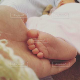 赤ちゃんの足の写真・画像素材[1036654]