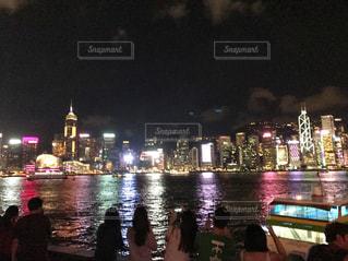 ネオン輝く夜の香港の写真・画像素材[1036784]