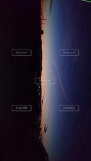 神秘的な朝日の写真・画像素材[1037128]