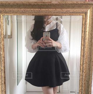 鏡の中の自分の写真・画像素材[1037431]