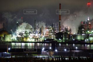 夜の工場の写真・画像素材[1045332]