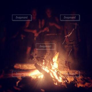 夜の大火事の写真・画像素材[1038227]