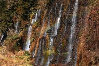虹かかる滝の写真・画像素材[1045890]