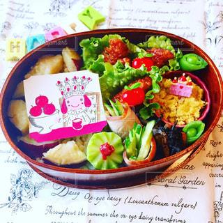 紅茶ラベル わっぱ弁当  ランチ お弁当の写真・画像素材[1040433]
