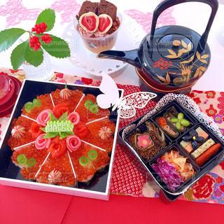 テーブル お重 初春 三が日 正月 赤の写真・画像素材[1044111]