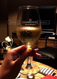 シャンパーニュで乾杯の写真・画像素材[1039325]