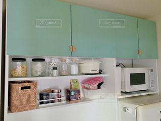 DIY 扉付きキッチン収納の写真・画像素材[3303750]