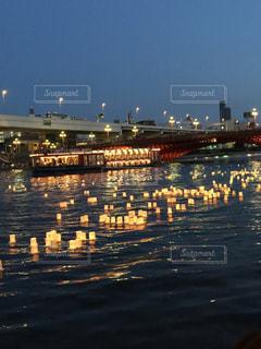 浅草の灯篭流しの写真・画像素材[1040500]