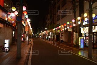 静かな飲み屋街の写真・画像素材[2431426]