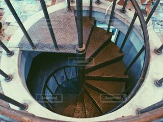レトロな螺旋階段の写真・画像素材[1039488]