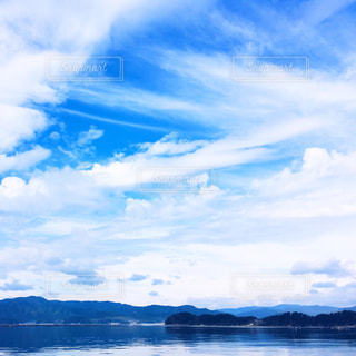 水の大きな体の写真・画像素材[1038981]