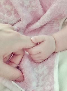 赤ちゃんの手の写真・画像素材[1650300]