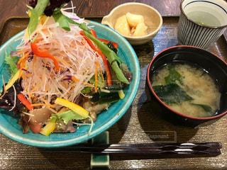 野菜たっぷり海鮮丼 - No.1041562
