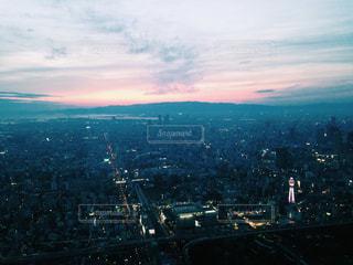 夜の街の景色の写真・画像素材[1041417]