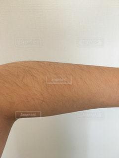 腕のムダ毛の写真・画像素材[1126013]