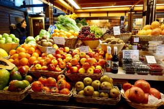 フィンランドの果物屋さんの写真・画像素材[1040995]