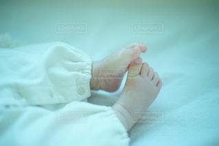 赤ちゃんの足の写真・画像素材[1040326]