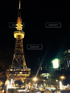 ライトアップされたテレビ塔②の写真・画像素材[1074107]