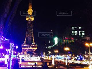 ライトアップされたテレビ塔①の写真・画像素材[1074108]