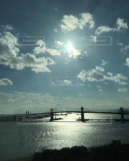 海にかかる橋の写真・画像素材[1040576]