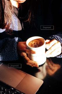 dean&delucaでスイスミスを飲むなんてオシャレすぎるだろの写真・画像素材[1717524]
