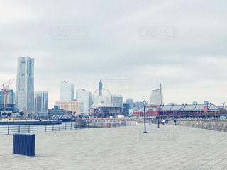 大さん橋から見たみなとみらいの写真・画像素材[1041118]