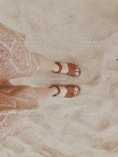 砂の上に立つ私の写真・画像素材[1042328]