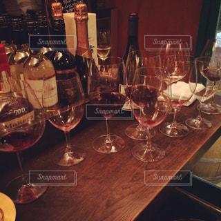 ワイングラスの写真・画像素材[1047117]
