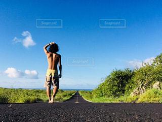 水平線に続く道のりの写真・画像素材[1041396]