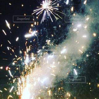 夜空に花火の写真・画像素材[1041690]