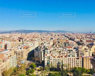 サグラダファミリアからのバルセロナ都市の景色の写真・画像素材[1042567]
