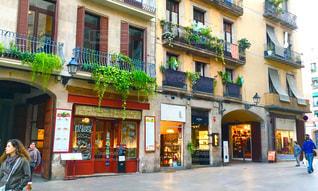 バルセロナ お洒落なショップ通りの写真・画像素材[1042705]